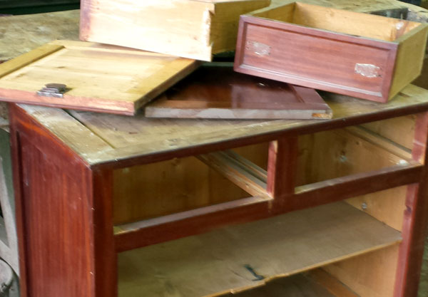 Manufacturing of furnishings with recycled wood